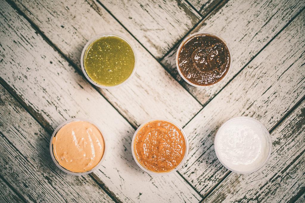 Arrangement of salsas